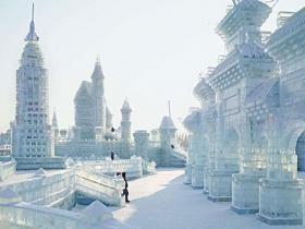 冬季旅游胜地哈尔滨冰雕