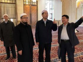 中国伊协会长杨发明阿訇访问西宁南关清真寺